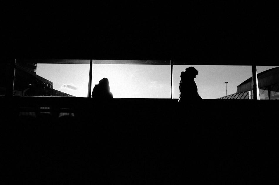 images, photographs, stroll photography, street photography, street, wouter brandsma, ricoh grd, ricoh grdigital, ricoh grd3, ricoh gr digital 3, ricoh grdiii, ricoh gr, photography, grd, grd3, snapshots, grd snapshot, ricoh grd photography, black and white, strolling, brandsma, train, train station, gr, silhouettes, traveling, Traveling silhouettes