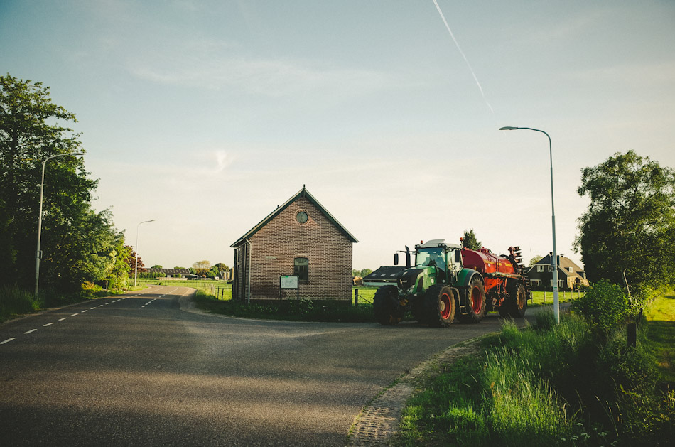 tractor, road, light, shadow, green, color, colour,  photography, photograph, agriculture, rural, sky, trees, light and shadows, ricoh gr, gr ricoh, gr, ricoh, pentax, pentax ricoh, pentax gr, ricoh gr digital, ricoh grd, gr digital, wouter brandsma, landscape, landscape photography, stroll photography