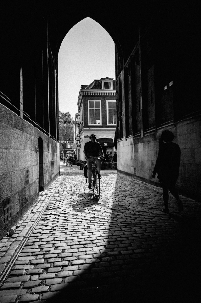 photography, photograph, gate, light and shadow, cyclist, people, street photography, stroll photography, street, Utrecht, ricoh gr, gr ricoh, ricoh, gr, pentax, pentax gr, pentax ricoh, wouter brandsma