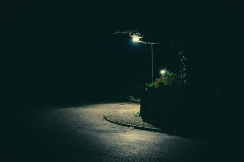 photography, photograph, street photography, stroll photography, light, darkness, shadows, color, street, urban, night, wouter brandsma, ricoh, ricoh gr, pentax, ricoh gr digital, light and shadows